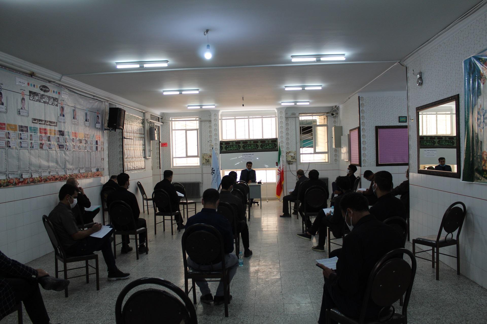 اولین جلسه شورای دبیران برگزار شد